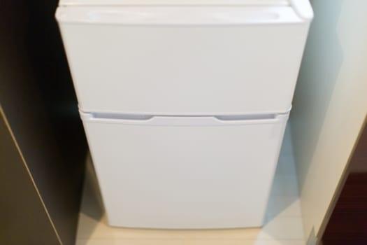 1:冷蔵庫などキッチン家電の下